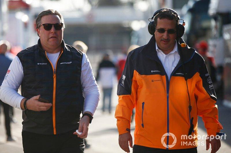 Zak Brown, McLaren Racing CEO e lo Sceicco Mohammed bin Essa Al Khalifa, CEO del Consiglio per lo Sviluppo Economico del Bahrain e azionista McLaren