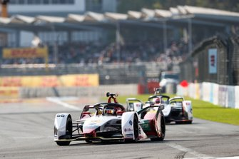 Daniel Abt, Audi Sport ABT Schaeffler, Audi e-tron FE05 devant Felipe Nasr, GEOX Dragon Racing, Penske EV-3