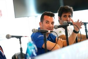 Bryan Sellers, Rahal Letterman Lanigan Racing, Sérgio Jimenez, Jaguar Brazil Racing, in conferenza stampa