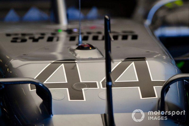 Dettaglio del numero sulla monoposto di Lewis Hamilton, Mercedes AMG F1 W10
