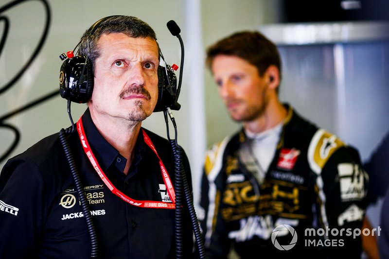 """Após ver Romain Grosjean abandonar o segundo GP da Austrália consecutivo por problemas de colocação das rodas em um pit stop, o chefe da Haas, Gunther Steiner falou em Déjà-vu: """" """"Algo ficou danificado. É um déjà-vu. Nós tentamos (colocar o pneu) uma segunda vez e conseguimos, mas perdemos as posições, de qualquer maneira, e depois isso aconteceu (a falha). Então parece que algo quebrou com força quando o colocamos na segunda vez."""""""