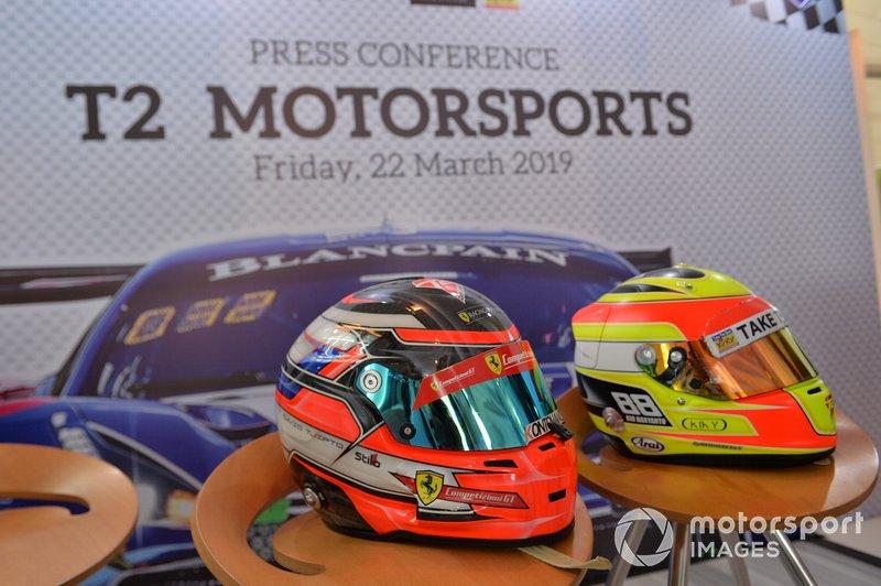 Helm David Tjiptobiantoro dan Rio Haryanto, T2 Motorsports