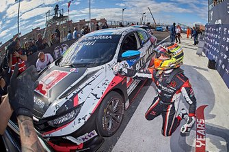 Racewinnaar Esteban Guerrieri, ALL-INKL.COM Münnich Motorsport Honda Civic Type R TCR
