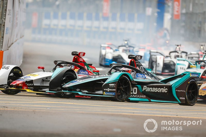 Даниэль Абт, Audi Sport ABT Schaeffler, Audi e-tron FE05 и Митч Эванс, Panasonic Jaguar Racing, Jaguar I-Type 3