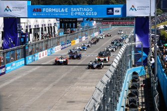 The start of the race, with Sébastien Buemi, Nissan e.Dams, Nissan IMO1, alongside Pascal Wehrlein, Mahindra Racing, M5 Electro, at the front of the pack