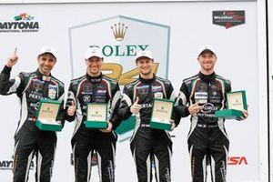 Подиум: Мирко Бортолотти, Кристиан Энгельхарт, Рик Брейкерс, Рольф Инайхен, GRT Grasser Racing Team