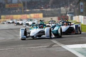 Oliver Turvey, NIO Formula E Team, NIO Sport 004 Robin Frijns, Envision Virgin Racing, Audi e-tron FE05, both in attack mode