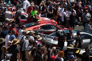 #2 Audi Sport Team Valvoline Audi R8 LMS in città