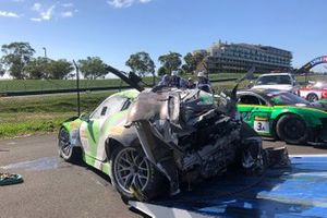 #540 Black Swan Racing Porsche 911 GT3-R: Tim Pappas, Jeroen Bleekemolen, Marc Lieb after the crash