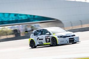 #21 Volkswagen Golf GTI TCR, Paul Dehadray, J W Bird Motorsport