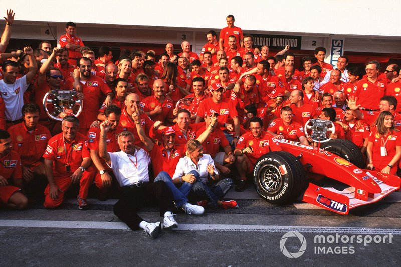 Michael Schumacher, Ferrari F2001, ve Rubens Barrichello
