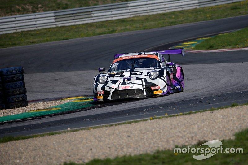 #69 IRON FORCE RACING Porsche 911 GT3 R: Jan-Erik Slooten, Lucas Luhr