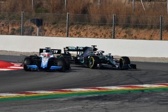 Robert Kubica, Williams FW42 and Lewis Hamilton, Mercedes-AMG F1 W10