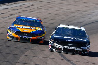 Aric Almirola, Stewart-Haas Racing, Ford Mustang Smithfield and Ricky Stenhouse Jr., Roush Fenway Racing, Ford Mustang SunnyD