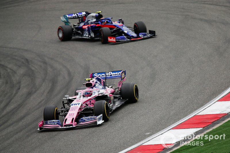 Lance Stroll, Racing Point RP19, devance Alexander Albon, Toro Rosso STR14