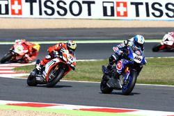Sylvain Guintoli, Pata Yamaha, e Lorenzo Savadori, IodaRacing Team
