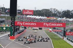 Nico Rosberg, Mercedes AMG F1 W07 Hybrid leads at the start of the race