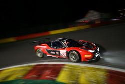 #888 Kessel Racing, Ferrari F458 Italia GT3: Marco Zanuttini, Liam Talbot, Vadim Glitin, Nicola Cade