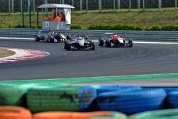 George Russell, HitechGP Dallara F312 – Mercedes-Benz; Guanyu Zhou, Motopark Dallara F312 – Volkswag