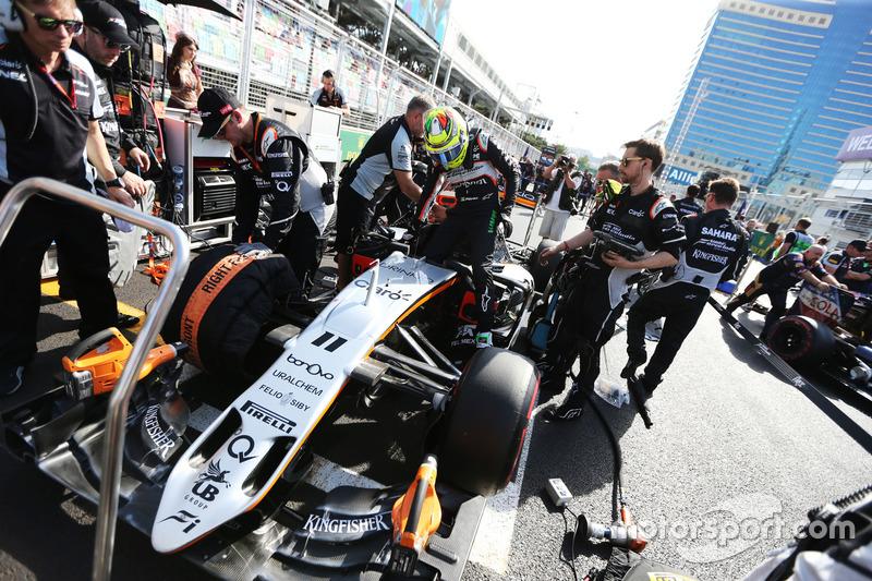 Sergio Pérez, Sahara Force India F1 VJM09 de la parrilla