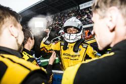 Le vainqueur Gabriele Tarquini, LADA Sport Rosneft, Lada Vesta