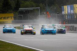 Tom Chilton, Sébastien Loeb Racing, Citroën C-Elysée WTCC; Tom Blomqvist (GBR) BMW Team RBM, BMW M4