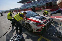 Pit stop, #125 NKPP Racing Seat Leon Cup Racer: Harry Hilders, Gijs Bessem