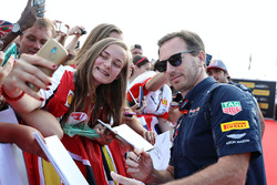 Christian Horner, Red Bull Racing, Team Principal avec des fans