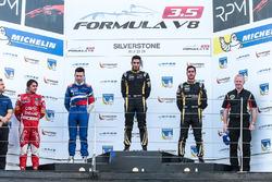 Podium: Sieger Roy Nissany, Lotus; 2. Matthieu Vaxiviere, SMP Racing; 3. Rene Binder, Lotus; Pietro