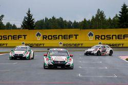 Tiago Monteiro, Honda Racing Team JAS, Honda Civic WTCC; Rob Huff, Honda Racing Team JAS, Honda Civi