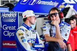Trevor Bayne, Roush Fenway Racing Ford con el Jefe de equipo Matt Puccia