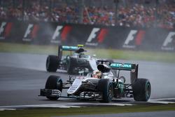 Льюіс Хемілтон, Mercedes AMG F1 W07 та Ніко Росберг, Mercedes AMG Petronas F1 W07