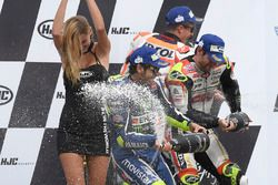 Podium: race winner Cal Crutchlow, Team LCR Honda, second place Valentino Rossi, Yamaha Factory Raci