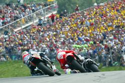 Tohru Ukawa, Repsol Honda Team; Max Biaggi, Marlboro Yamaha Team