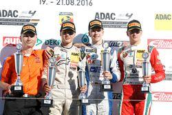 Podio: Sieger Mike David Ortmann, Mücke Motorsport; 2. Lirim Zendeli, Mücke Motorsport; 3. Mick Schu