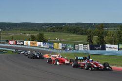 Сантьяго Уррутья, Schmidt Peterson Motorsports лидирует на старте