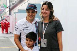 Felipe Massa, Williams con su esposa, Rafaela Bassi y su hijo Felipinho Massa,
