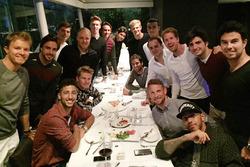 Nico Rosberg, Fernando Alonso, Daniel Ricciardo, Nico Hulkenberg, Valtteri Bottas, Max Verstappen, Daniil Kvyat, Esteban Gutierrez, Esteban Ocon, Marcus Ericsson, Felipe Nasr, Pascal Wehrlein, Felipe Massa, Sebastian Vettel, Jenson Button, Carlos Sainz Jr., Lewis Hamilton, et Sergio Perez