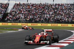 Kimi Raikkonen, Ferrari SF16-H, Sebastian Vettel, Ferrari SF16-H