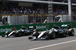 Lewis Hamilton, Mercedes AMG F1 W07 Hybrid and Nico Rosberg, Mercedes AMG F1 W07 Hybrid at the start