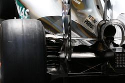 Mercedes, narrow eng cover and difuser detail