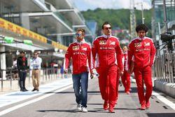 Sebastian Vettel, Ferrari lors de la reconnaissance du circuit avec l'équipe