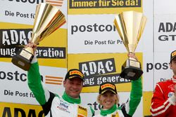 Podio: il secondo classificato #50 YACO Racing, Audi R8 LMS: Philip Geipel, Rahel Frey