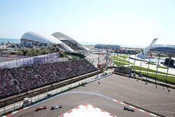 Nico Rosberg, Mercedes AMG F1 Team leads Valtteri Bottas, Williams FW38 and Kimi Raikkonen, Ferrari SF16-H