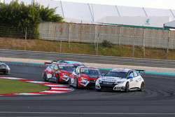 Mikhail Grachev, Honda Civic TCR , WestCoast Racing y James Nash, Seat Leon Team Craft-Bamboo LUKOIL