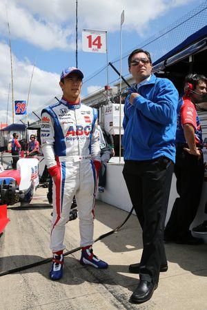 Takuma Sato, A.J. Foyt Enterprises Honda avec Larry Foyt