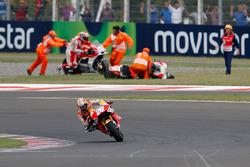 Dani Pedrosa profitiert vom Crash der Ducati-PIloten Andrea Iannone und Andrea Dovizioso
