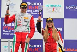 Podio carrera B-C, Juan Manuel Correa, Prema Power Team, Fabienne Wohlwend, Aragon Racing