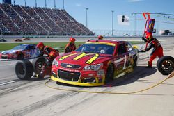 Jamie McMurray, Chip Ganassi Racing Chevrolet, pit actie