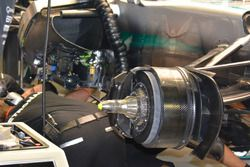 Mercedes AMG F1 W07 Hybrid, detalle de freno